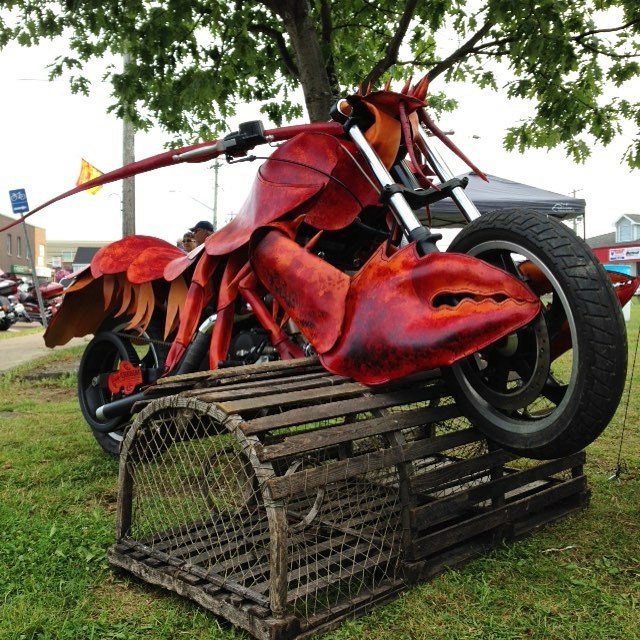 Lobster Motorcycle – A Work of Art